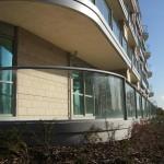 Curved glass balcony balustrade