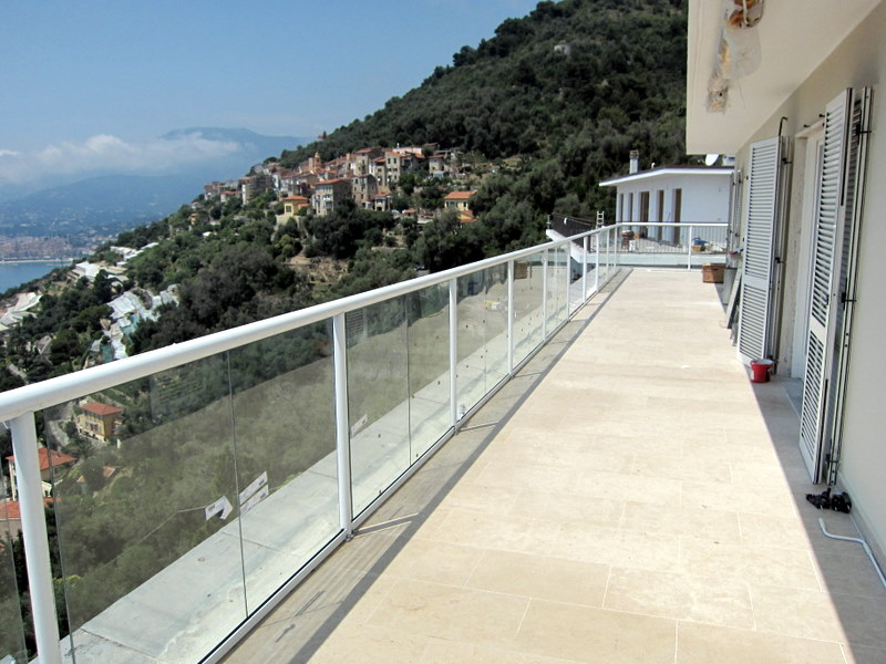 Balcony balustrades balcony railings glass balcony for Balcony balustrade
